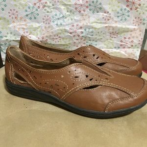 Earth origins  brown leather shoes comfort